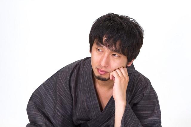 n853_katahijiwotatetekangaekomudansei_tp_v